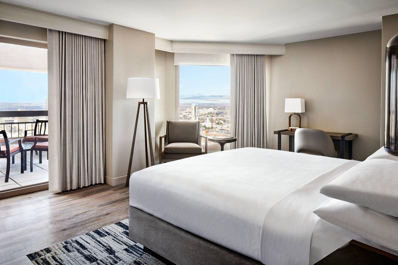 SanAntonio-Marriott-Rivercenter-hotel-room